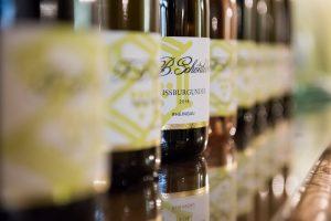 Rheingauer Wein und Sekt probieren.